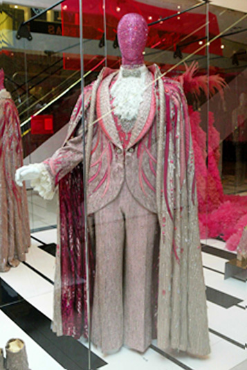 Liberace-costume-display
