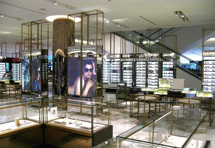 Visual Merchandising Accessories- glasses-display