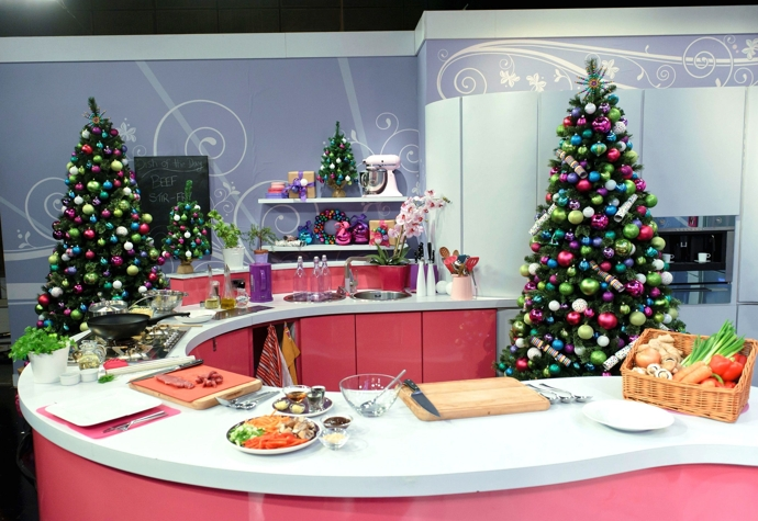 Christmas Visual Merchandising - Xmas studio kitchen